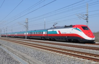 trenitalia_frecciarossa_train